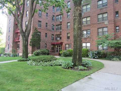 25-11 Union St #6D  Flushing ,  NY   11354